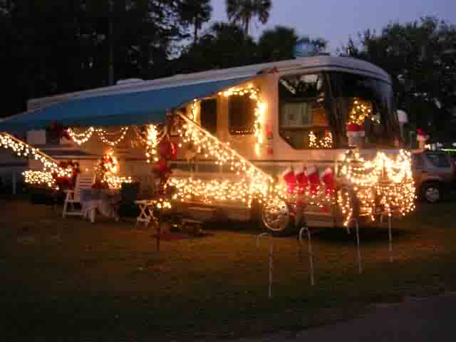 how to decorate an rv for the holidays pictures videos of rvs with christmas lights the rving guide - Christmas Camper Decoration
