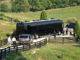 barack-obama-rv-bus-by-dpottsbsb.jpg