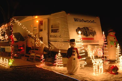 bert-jane-gildart-rv-christmas-decorations.jpg
