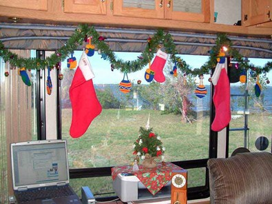 garland-and-stockings-in-rv.JPG