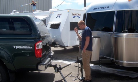 Hooking up an Airstream trailer to the vehicle