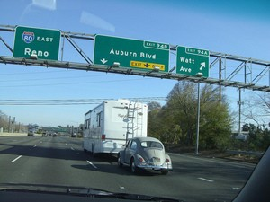 how-you-tow-a-car-safely-with-your-rv-by-tony-peters.jpg