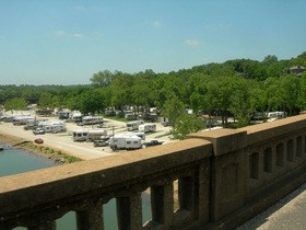 lakeside-rv-park-branson-by-readontheroad.jpg