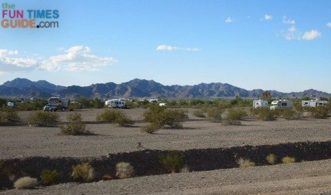 quartzsite-mountains-boondocking