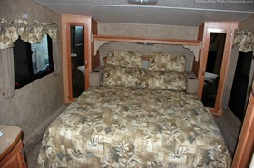 rv-bedroom-tight-space.jpg