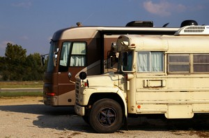 RV Bus Conversions – Yes, Old Buses Do Make Comfortable RVs!