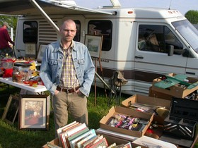 rv-flea-market-by-HCreedplayer.jpg