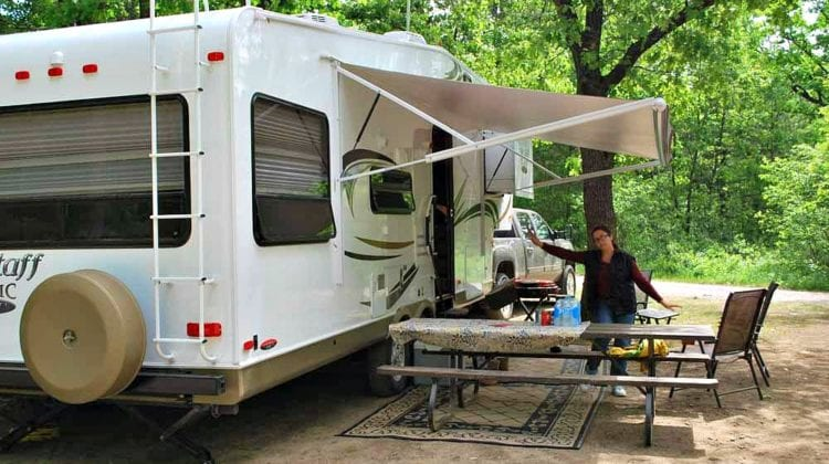 RV Level 4: This Simple RV Leveling System Is A Better Way To Level Your RV