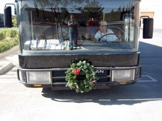 rv-motorhome-with-wreath.jpg