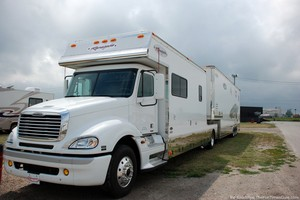 rv-toterhome-and-toy-hauler-trailer.jpg