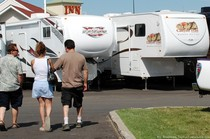 rv-trailer-shopping.jpg