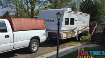 Buying An RV? Reasons To Consider A 5th-Wheel Travel Trailer Or A Teardrop Trailer