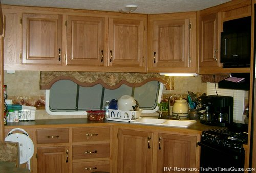 Rv Travel Trailer Kitchen Cabinets