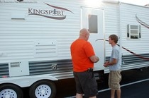 rv--travel-trailer-shopping.jpg