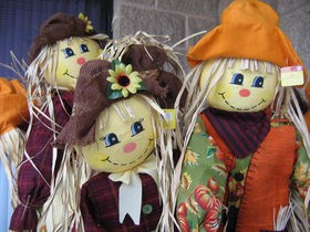 scarecrows-for-fall-decorating-by-megapixel-eyes.jpg