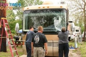 separating-motorhome-windshield-from-seal