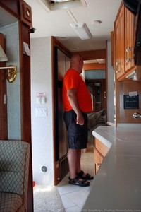 tight-quarters-in-this-rv.jpg