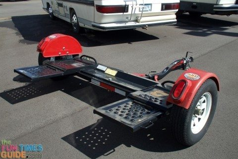 tow dolly 480x321 choosing the right rv tow dolly so you can tow a car behind your master tow dolly wiring harness at gsmportal.co