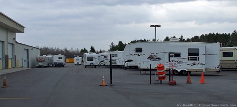used-rv-dealer-lot.jpg