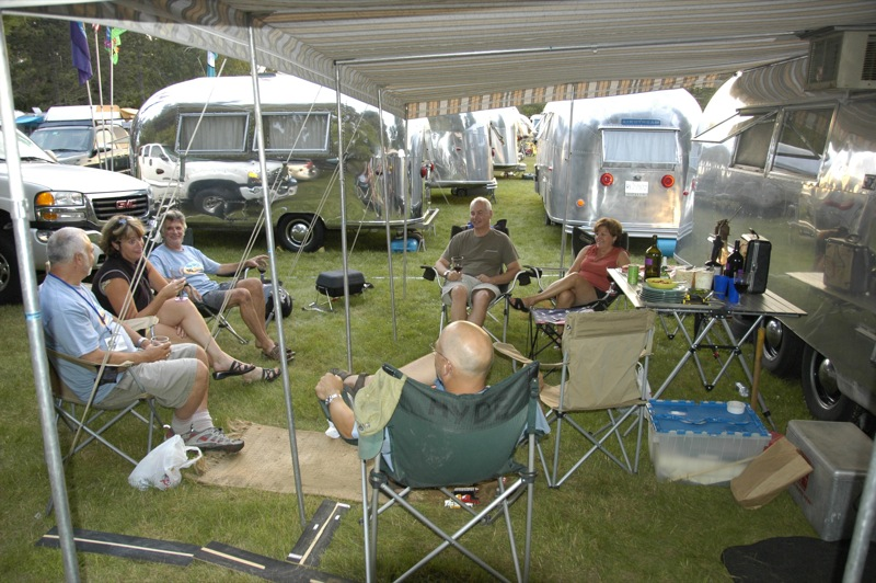 rv clubs for single seniors