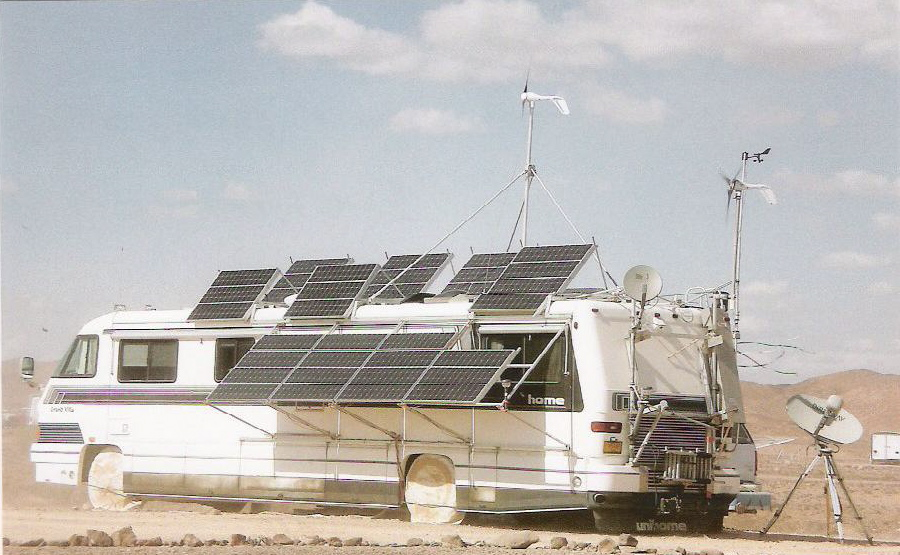 An extreme solar panel RV, maximizing their use of energy. photo by ...