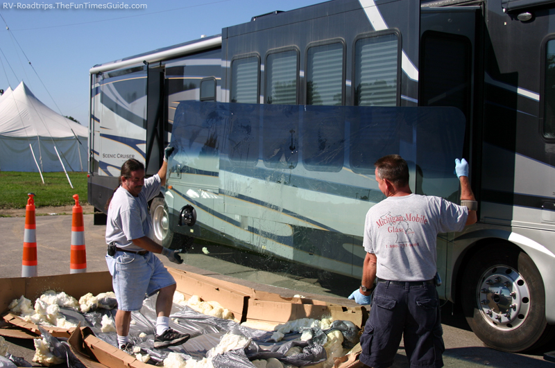 Repairing vs Replacing RV Windshield Glass: See How Auto