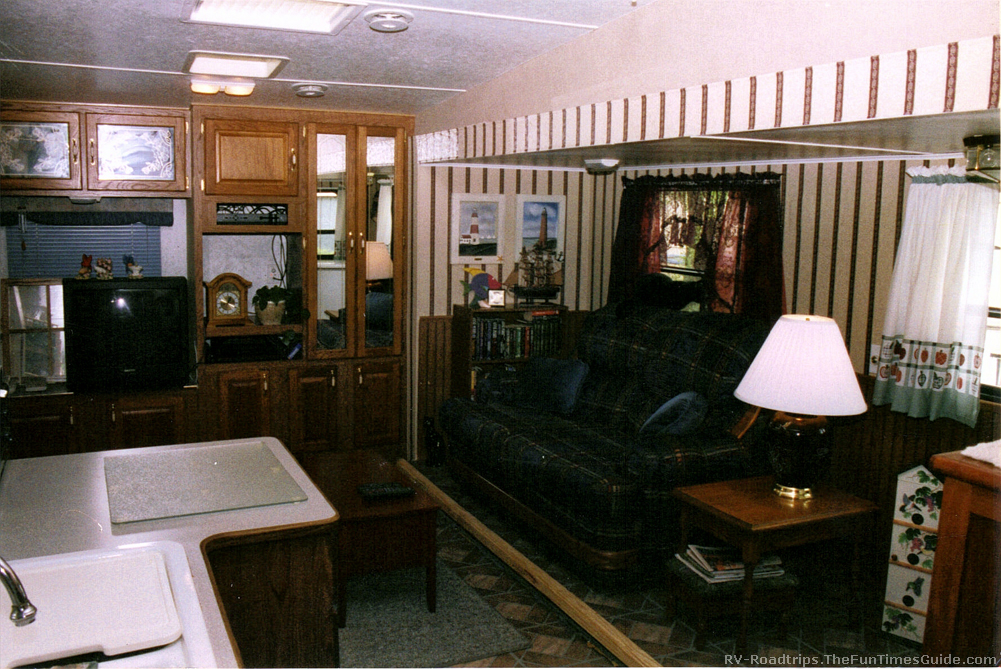 remodel rv living room how to remodel rvs & motorhomes yourself ( see how i remodeled Fleetwood Fifth Wheel Floor Plans at aneh.co