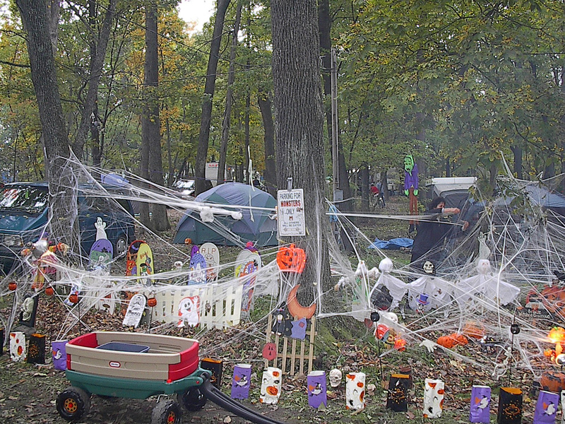 Decorating Ideas > An RVers Guide To Spooky Halloween Fun At Your Campsite  ~ 161501_Halloween Decorating Ideas Campground