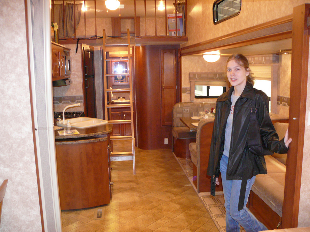Rv show tips for first timers the good the bad and the for Rv with loft