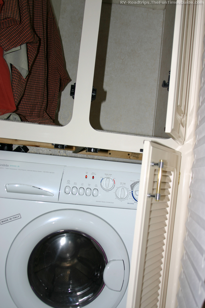 2 Popular Rv Washer Dryer Options Combo Unit Vs Stacked